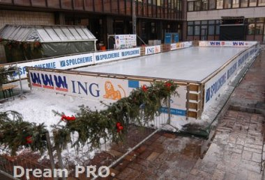 Vánoční ledová plocha