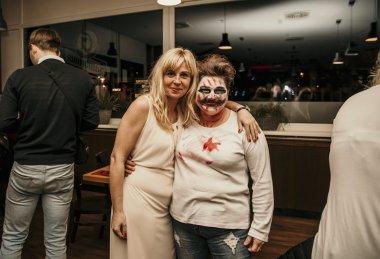 Předvánoční večírek  ve stylu Halloween - Tivall
