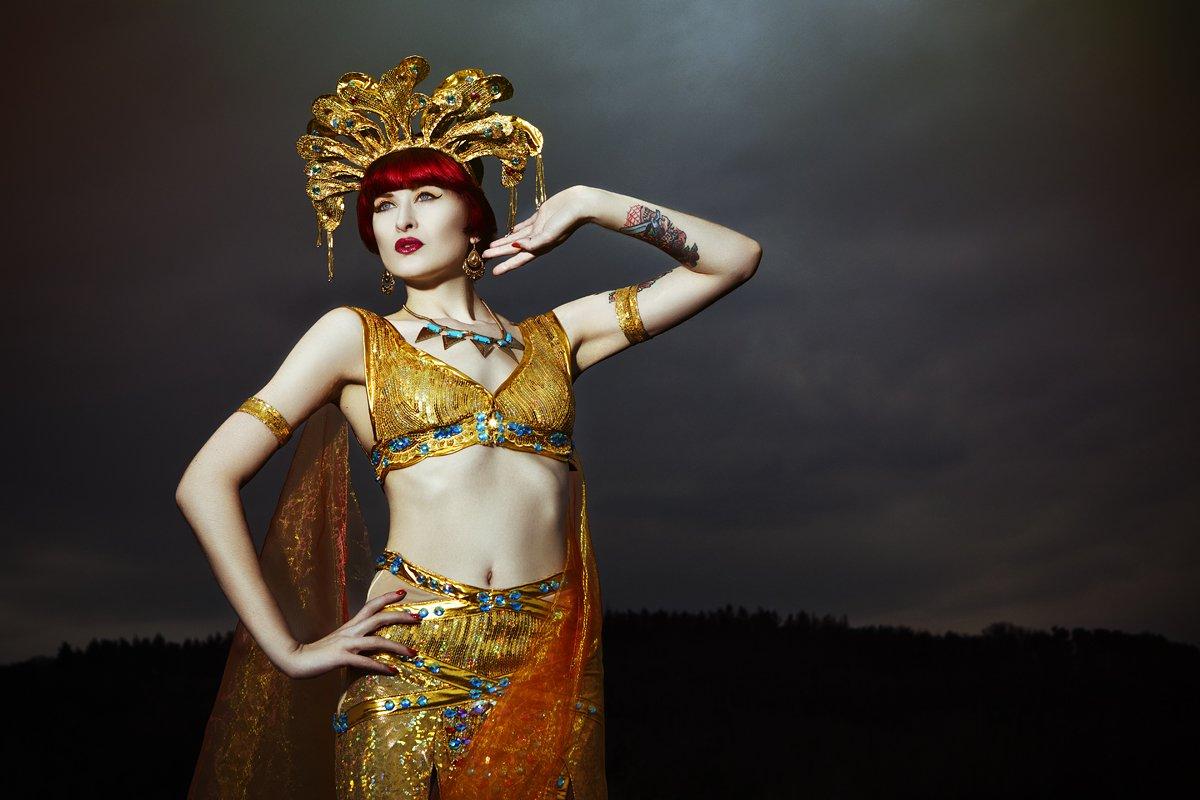 Yassmin burlesque