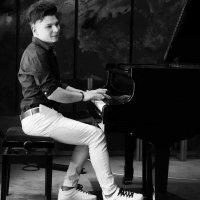 Patrik Kačo klavírista