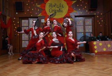 Skupina Ameera Shahrazad tance vorientálním či flamencovém stylu. Dosavadní choreografie skupiny Ameera Shahrazad:                                  • Saidi – folklórní egyptský orientální tanec shůlkama      • Shaabi Yalla Yalla– folklórní egyptský sviž
