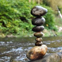 Land art & stone balancing
