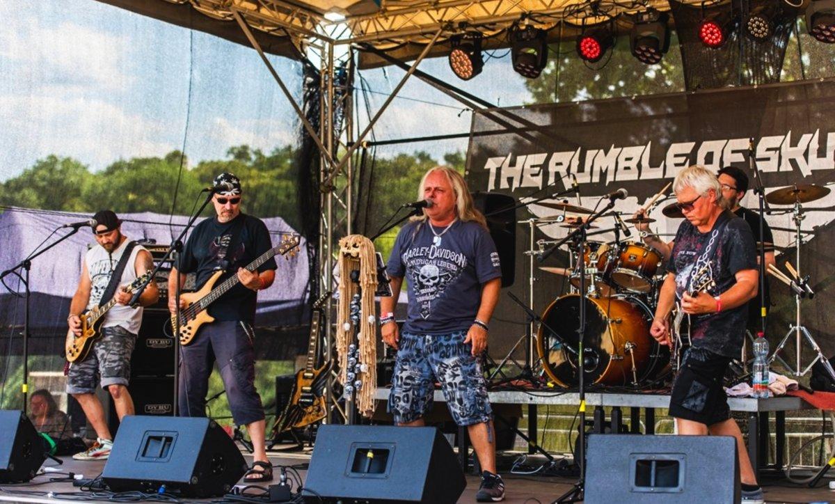 The Rumble of Skulls