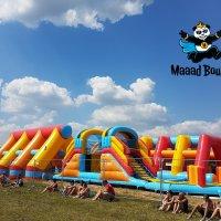 Obří nafukovací překážková dráha - Maaad Bounce