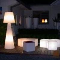 STOJACÍ LAMPA PIVOT